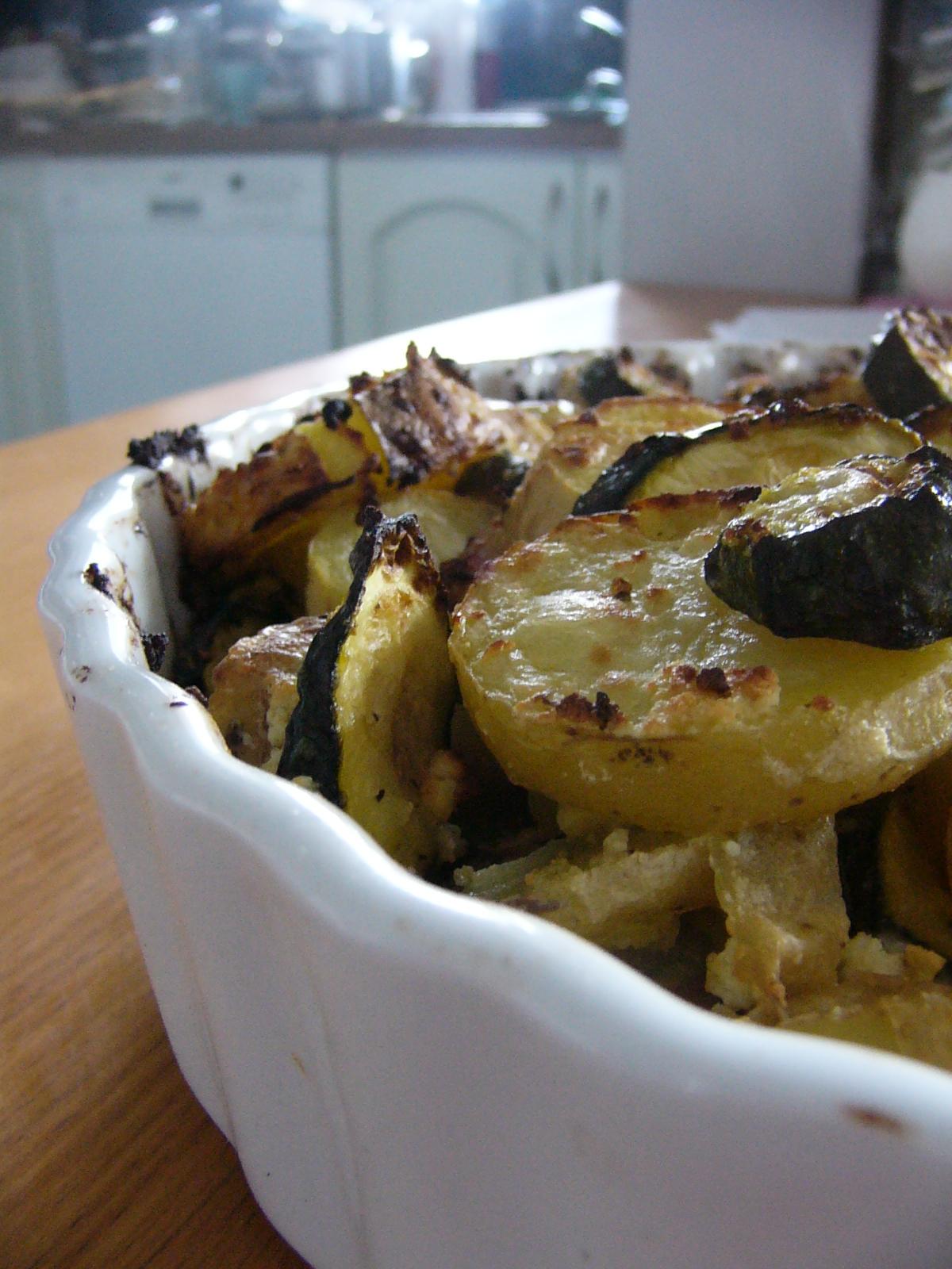 Letnia sałatka - zapiekanka z ziemniaków i cukinii